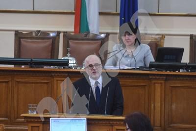 Олег Асенов СНИМКА: Велислав Николов СНИМКА: 24 часа