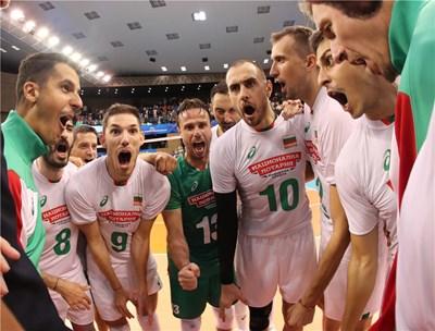 Националите се радват бурно след успешния старт на световното първенство с победа 3:0 над Финландия във Варна.  Снимка: FIVB