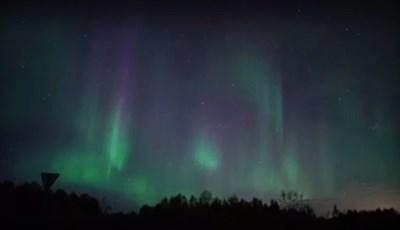 Вижте удивителното Северно сияние над Мурманск (Видео)