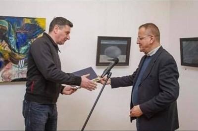Николай Пенчев получава наградата за най-добра детска книга за 2018 г.