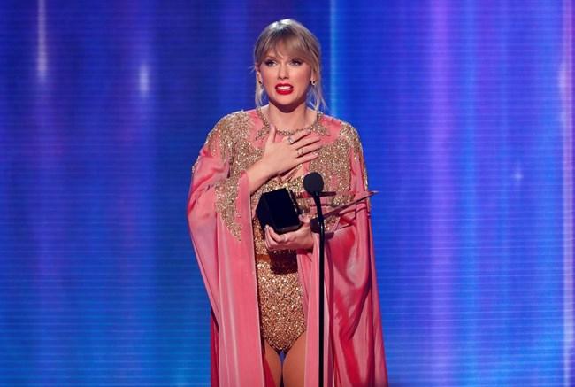 Американските музикални награди: Тейлър Суифт счупи рекорд на Майкъл Джексън (Галерия)