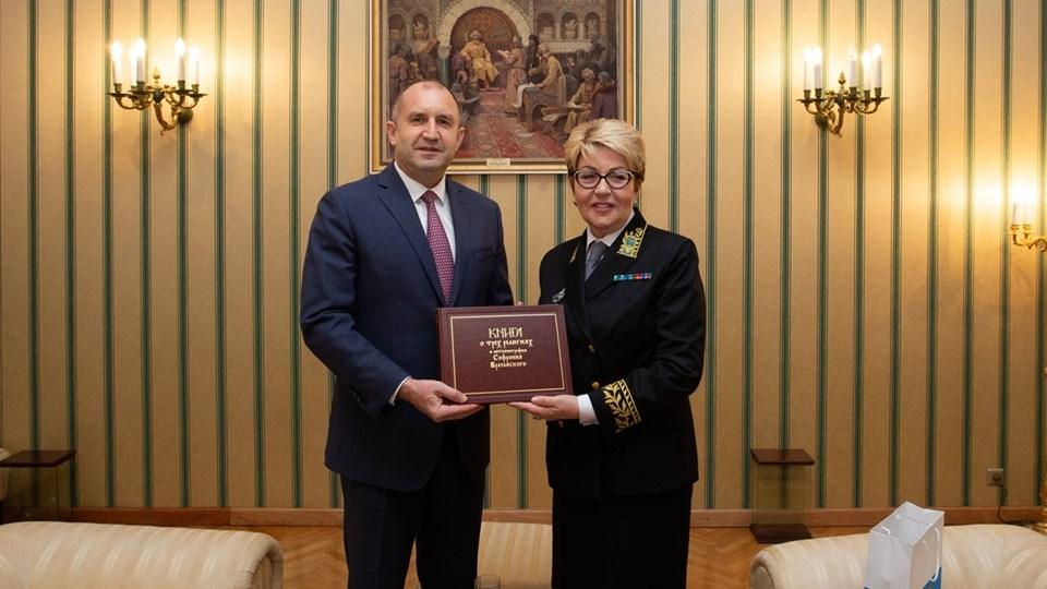 Руската посланичка: Радев е интелигентен и красив, с кабинета на Борисов бяхме в сложни взаимоотношения