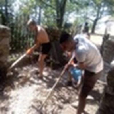 Членове на ВМРО почистиха района на гроба на Тодор Александров, където в неделя ще отбележат 94 г. от смъртта му.