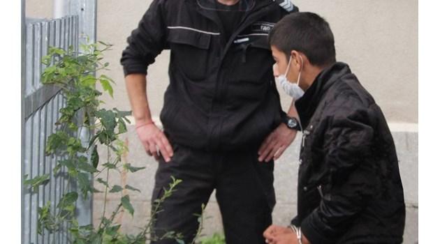 Оставиха в ареста Тунджай Индризов. Пробол с нож 13-годишната Диана, защото го напсувала