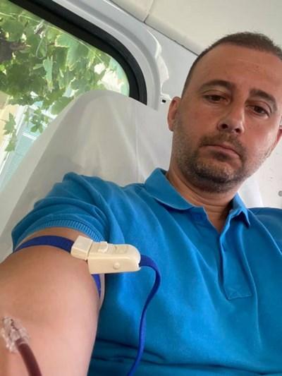 """Зам.-кметът на """"Родопи"""" Борислав Инчев дари кръв за 43-и път (снимки)"""