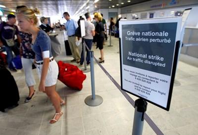 Европейският парламент ще решава за правила за стачките на ръководителите на полети. СНИМКА: РОЙТЕРС