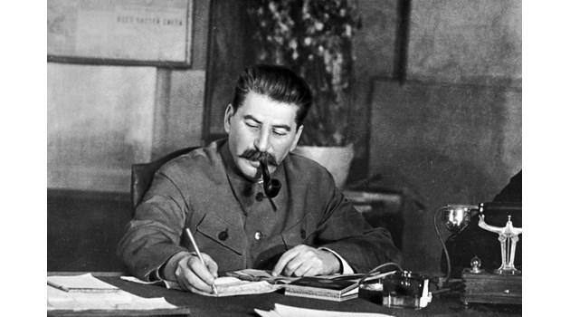 """Тайните на """"Бункер 42"""" на Сталин в Москва (видео)"""