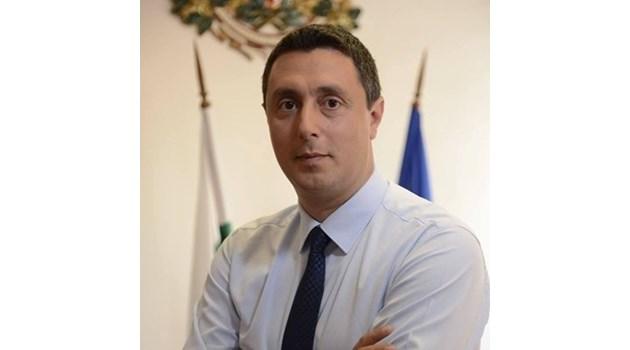 """Кметът на Царево: Твърденията, че на плажа """"Силистар"""" ще се строи, са фалшиви"""