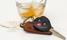 Варненка с 2,65 промила алкохол удари кола в бордюр в Чипровци