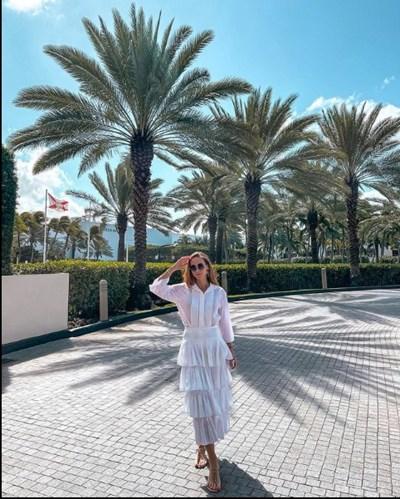 Лолита Османова не пропусна да публикува снимка от луксозния комплекс St Regis Bal Harbour Resort.