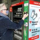 Вендинг машина за лекарства във Варшава, Полша. У нса обаче проектът за поставянето им бе спрян. СНИМКА: РОЙТЕРС