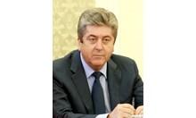 Тази сделка не буди доверие, а министър Петкова прилича на един бушон
