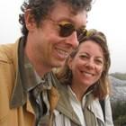 Синът на Кристо спасява света и слоновете заедно със съпругата си