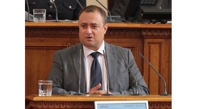Изгоря апартаментът на червения депутат Иван Иванов, неуспял зам.-министър на МВР заради работа във фирма на СИК