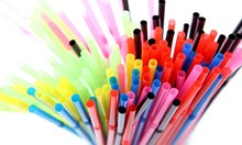 Европарламентът забрани сламките и всичката пластмаса за еднократна употреба