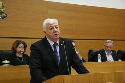 Здравко Димитров каза, че новият бюджет акцентира на образованието и градската среда. Снимки: Евгени Цветков