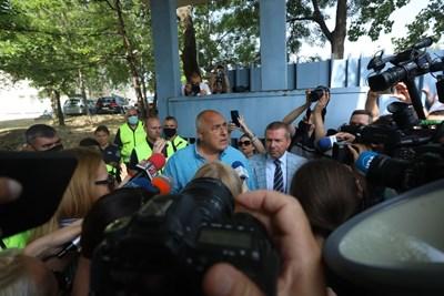 Борисов с адвоката си Менко Менков.