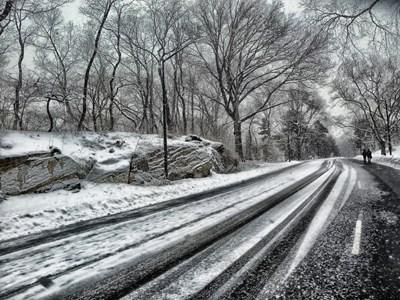 Пътната агенция предупреди шофьорите, че по пътищата в планининските райони има сняг. СНИМКА: Pixabay СНИМКА: Архив