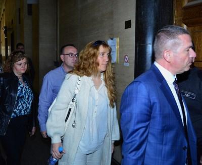 Родителите на убития Георги - Валентин и Албена Игнатови, дойдоха за първи път в съда. СНИМКА: Йордан Симeонов