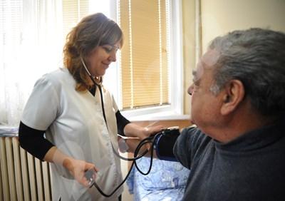 Заради грипните епидемии най-много болнични се издават през зимата. СНИМКА: 24 часа