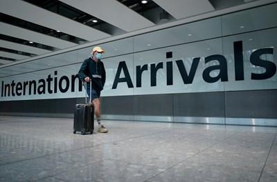 Заради коронавируса много хора се отказаха да летят и дори през лятото големи летища продължават да са пусти. СНИМКА: РОЙТЕРС