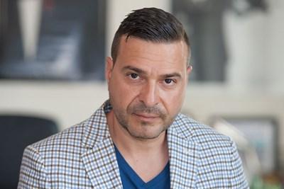 Слави Ангелов е частен обвинител по делото.
