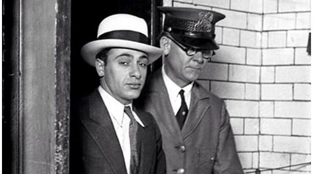 Франк Капоне в сянката на брат си Ал Капоне