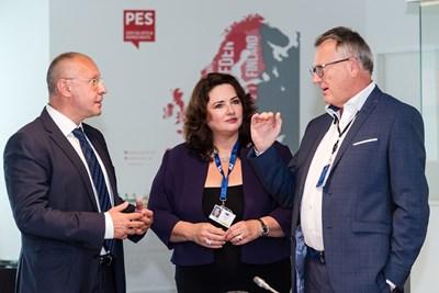 Станишев с двамата комисари Хелена Дали и Никола Шмит