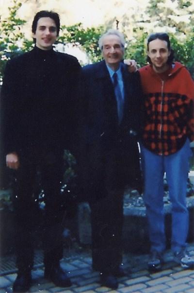 Ненчо Илчев (вдясно) с учителя си Лепас (в средата)