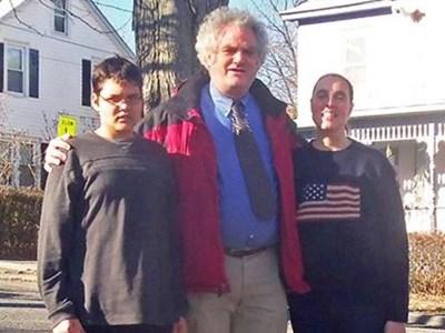 Българчето Пол Ангел с американските си родители Даниел и Елизабет СНИМКА: ЛИЧЕН АРХИВ