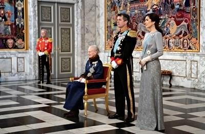 Кралица Маргарет, принц Фредерик и принцеса Мери СНИМКИ: Ройтерс