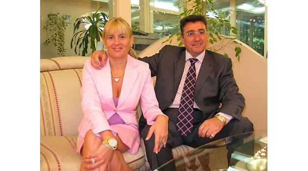 Докато търсят Маринела Арабаджиева по целия свят, тя успя да напусне проблемна фирма