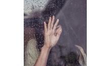 Девойка опита да се самоубие, след като баща й я изнасилил