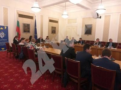 """Икономическата комисия отхвърли предложението за """"мека"""" забрана за пушене в заведенията. СНИМКА: Авторката СНИМКА: 24 часа"""