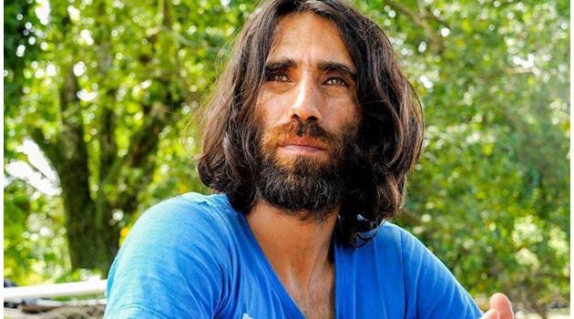 Заточен на остров бежанец спечели най-голямата награда за литература в Австралия
