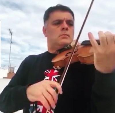 """Васко Василев с колеги от """"Ковънт Гардън"""" в общо изпълнение в инстаграм"""