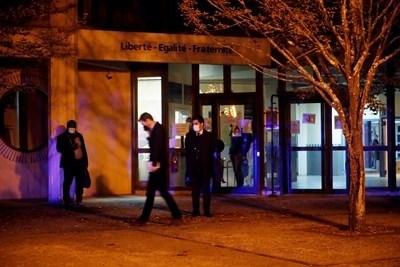 Четирима ученици са задържани за убийството на учителя от Франция. СНИМКА: РОЙТЕРС