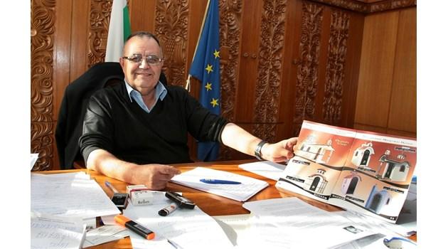 В памет на Божидар Димитров: Историкът започнал като портиер в НИМ, въпреки че вече бил кандидат на науките. Станал директор след 1989 г., когато открил българското име на Методий - Страхота