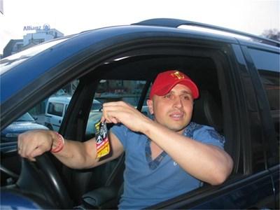 Камен Балбузанов-Куката е любител на луксозните коли.  СНИМКИ: АВТОРЪТ