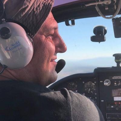Загиналият пилот Стефан Василски СНИМКА: фейсбук