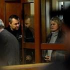 Елена Динева на влизане в съда с белезници СНИМКА: Йордан Симеонов