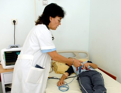 """Личните лекари сами преценяват дали да вземат такса """"медицинска бележка"""""""
