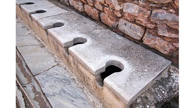 Защо в Русия се кръстят при влизане във WC и защо парите, събрани от тоалетна, не миришат