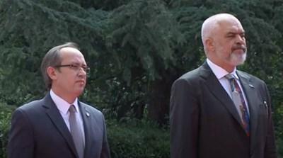 Косовският премиер Абдула Хоти и албанският му колега Еди Рама КАДЪР: Youtube/Edi Rama