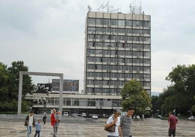 Страсти се вихрят за съдбата на бившия партиен дом в Пловдив. Снимка: Евгени Цветков