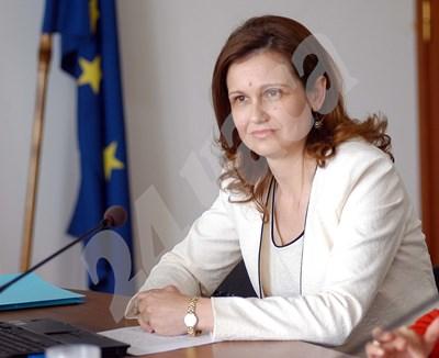 Анета Милкова е на изслушване в СЕМ като кандидат за генерален директор на БНР през 2010 г. СНИМКА: 24 часа