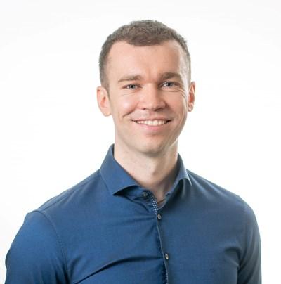 Най-успешният българин в онлайн обученията Недко Кръстев привлича световни инфлеунсъри за лекциите