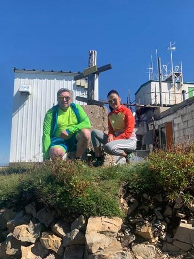 Зам.-министърът Нанков и любимата му Елена на връх Мургаш СНИМКА: Личен Профил Във Фейсбук