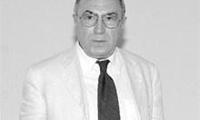 Почина поетът и юрист Асен Ошанов