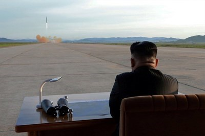 """Според служител от американското правителство ядрен взрив над Тихия океан би бил """"самоубийствен акт"""" за севернокорейския лидер Ким Чен-ун. СНИМКА : Ройтерс"""